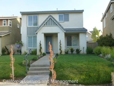 27505 Weeping Willow Dr, Valencia, CA 91354