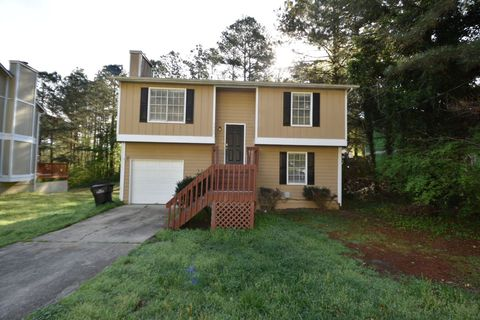 Photo of 5300 Forest Downs Ln, College Park, GA 30349