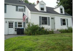 Apartments For Rent At 9 Oak Ave Freeport Me 04032 Movecom