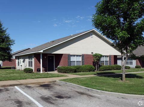Photo of 4650 Hedges Dr, Memphis, TN 38128