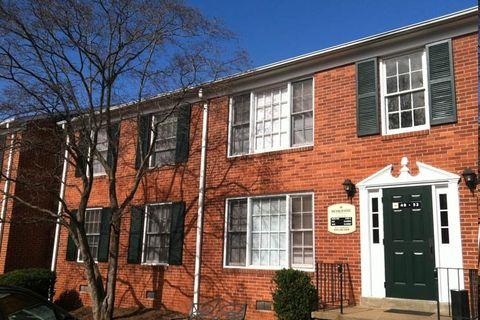 Photo of 2410 Berkshire Pl, Charlottesville, VA 22901