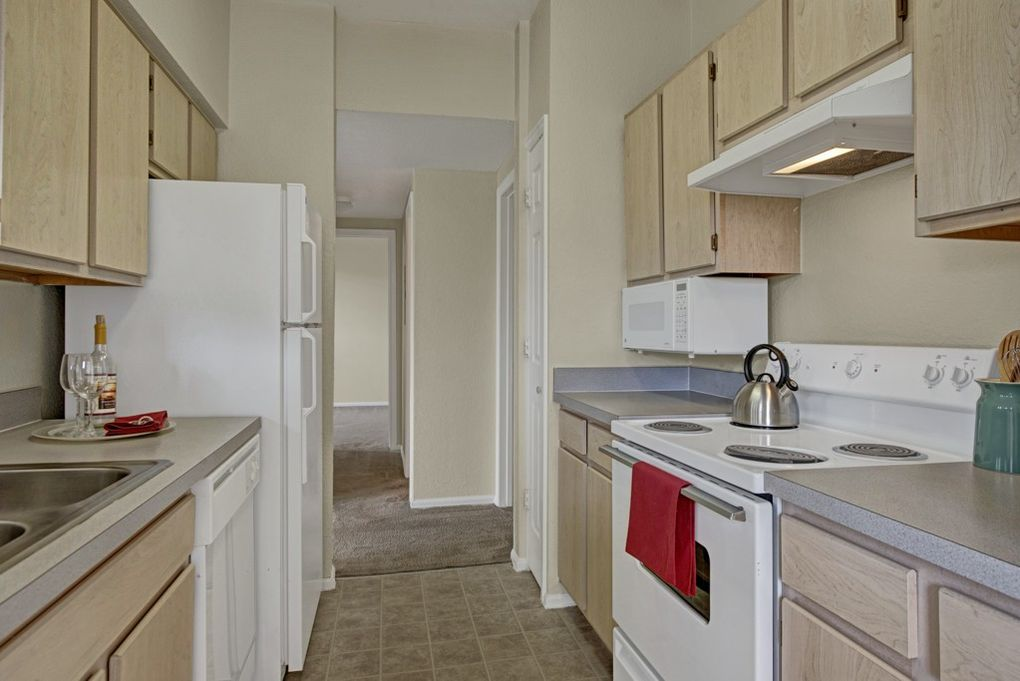 Pine Bluffs Apartments For In Colorado Springs Co Com