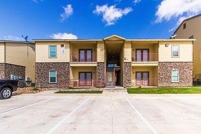 Photo of 1121 W Oaklawn Rd, Pleasanton, TX 78064