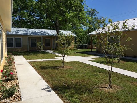 Photo of 259 7th St, Somerville, TX 77879