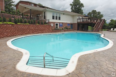 200 Hampton Ct, Blacksburg, VA 24060
