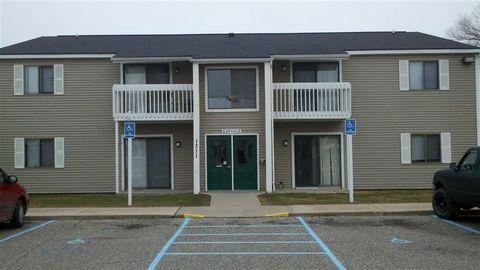 1327 Mackinaw Ave, Cheboygan, MI 49721