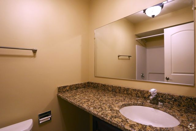 Condo for rent 229 s main st apt 3 a lombard il 60148 for 17 west 720 butterfield road oakbrook terrace il 60181