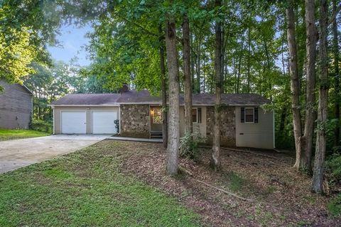 4201 Woodcrest Dr, Powder Springs, GA 30127