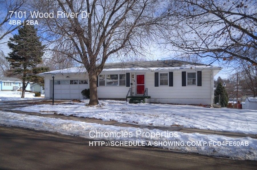 7101 Wood River Dr, Omaha, NE 68157