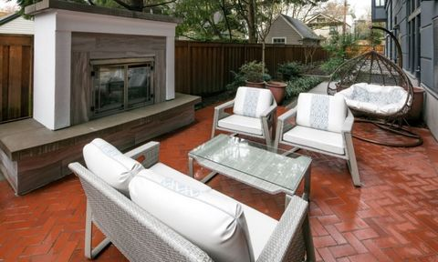 Photo of 550 Nw 19th Ave Apt 550, Portland, OR 97209