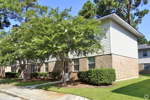 Photo of 5000 Mabeline Rd, Hanahan, SC 29410