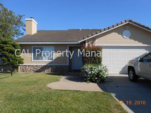 1364 Mazatlan St, Salinas, CA 93905