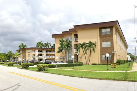 555 S Luna Ct Hollywood Fl 33021 Apartment For Rent