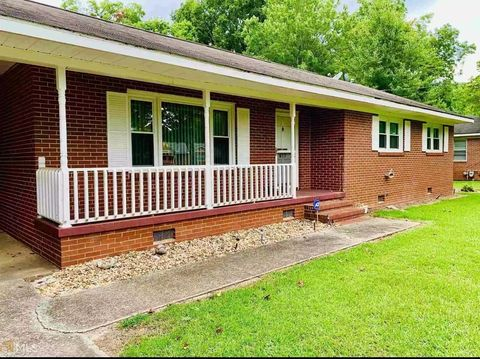 Photo of 617 Park Ave Unit C, Fort Valley, GA 31030