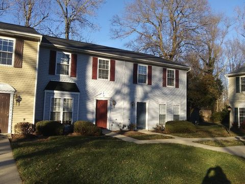 Photo of 1 Summit Ct, Indian Head, MD 20640
