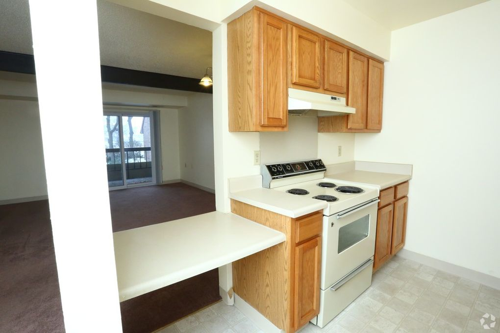 601 N Cedar St, Lansing, MI 48912