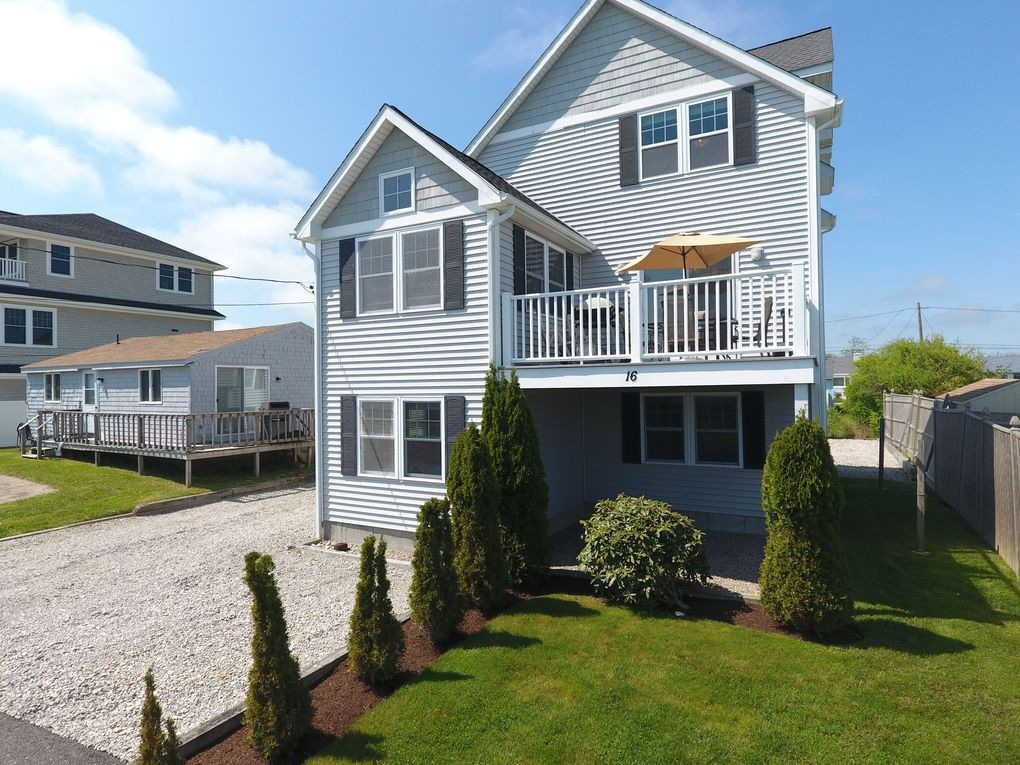 Peachy 16 Homestead Rd Narragansett Ri 02882 Home Interior And Landscaping Ferensignezvosmurscom