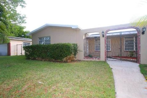 Photo of 2010 Nw 106th Ave, Pembroke Pines, FL 33026