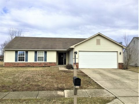 Photo of 7934 Cherrybark Dr, Indianapolis, IN 46236