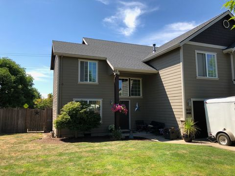 Photo of 1821 Nw Meadows Dr, McMinnville, OR 97128