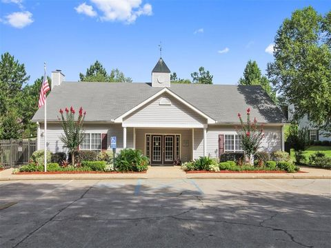 Photo of 3017 Old Amy Rd, Laurel, MS 39440