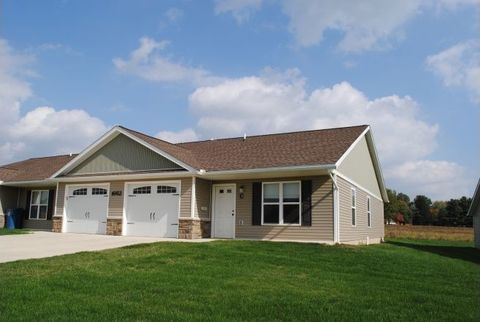 Photo of 1662 Westview Dr, Salem, OH 44460