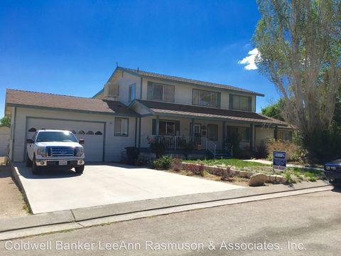 232 Arcturis Cir, Bishop, CA 93514