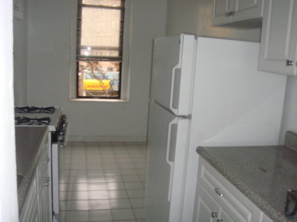 28 Bedford Park Blvd E Bronx NY 10468