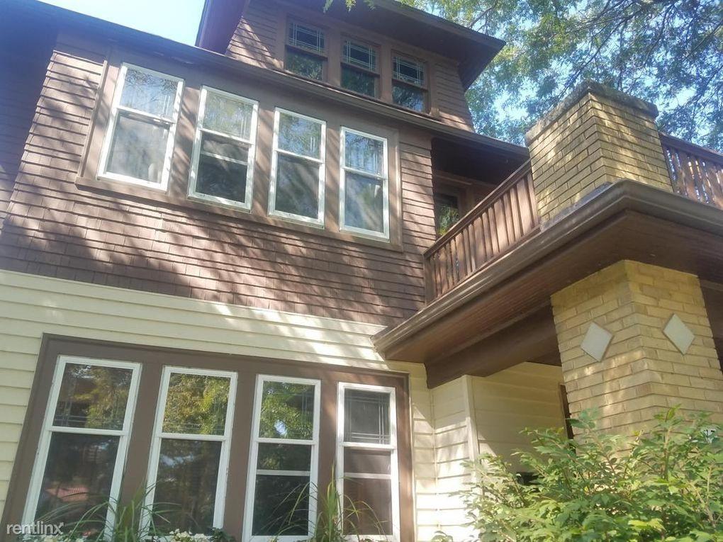 4477 N Frederick Ave, Shorewood, WI 53211
