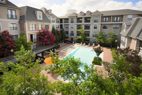 Photo Of 8600 Thackery St Dallas Tx 75225 Apartment For Rent