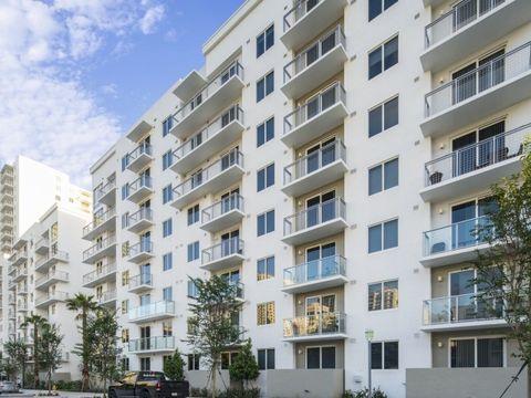 Photo of 145 Sw 13th St, Miami, FL 33130