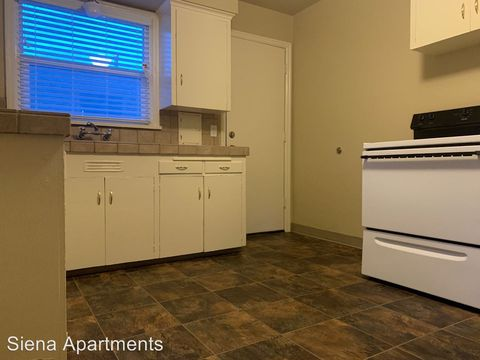 Photo of 7722 N Interstate Ave, Portland, OR 97217