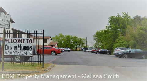Photo of 300 N Wells Ave, Hubbard, TX 76648