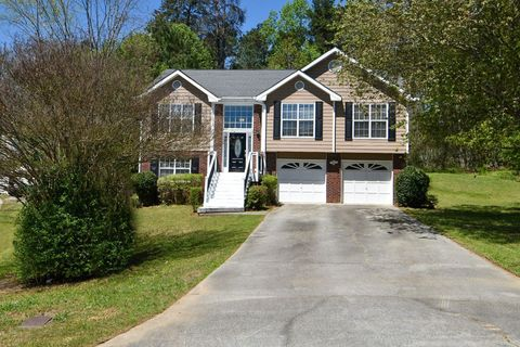 Photo of 4080 Mark Todd Ct, Hoschton, GA 30548