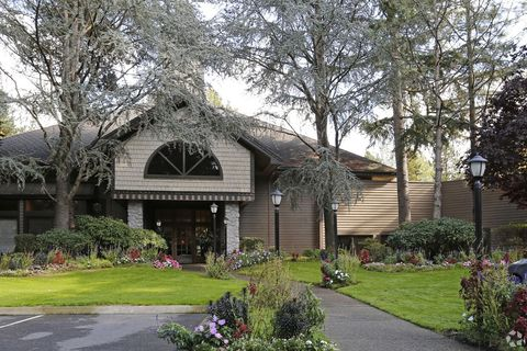 Photo of 5033 Foothills Rd, Lake Oswego, OR 97034