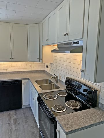 Photo of 663 Central St Apt 2, Franklin, NH 03235