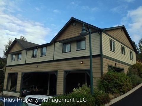 Photo of 1965 Nw Monterey Pines Dr, Bend, OR 97703