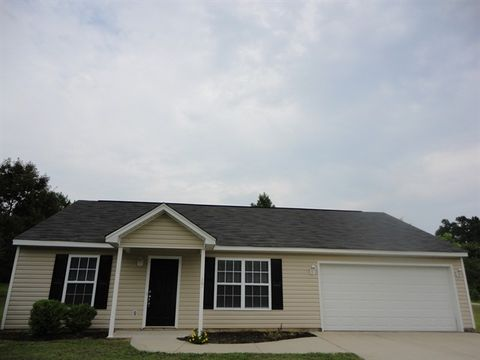 Photo of 105 Laura Jane Ct, Gray Court, SC 29645