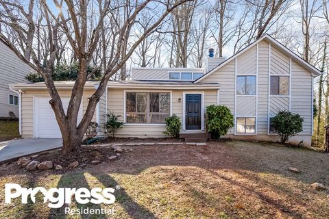 Photo of 5243 Martins Crossing Rd, Stone Mountain, GA 30088