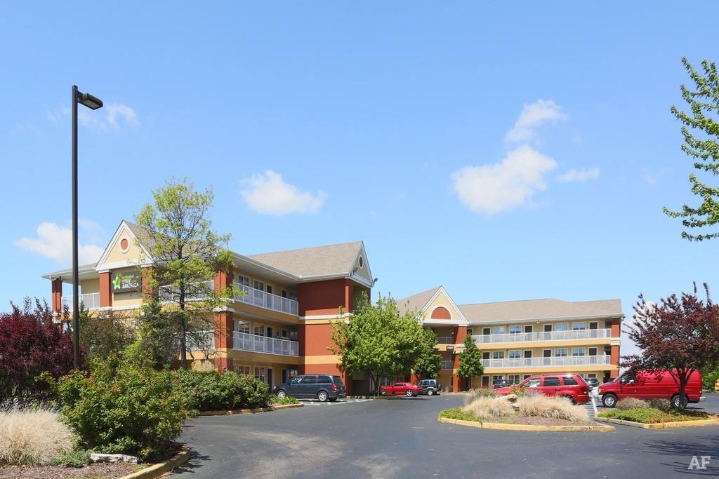 63146 apartments for rent for Beau jardin apartments st louis mo