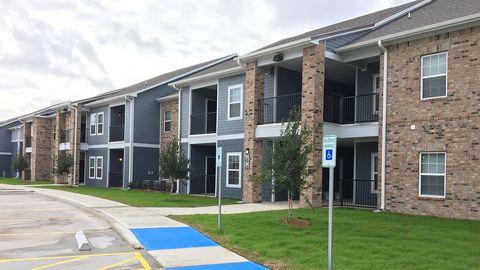 Photo of 2835 Western Ave, West Orange, TX 77630
