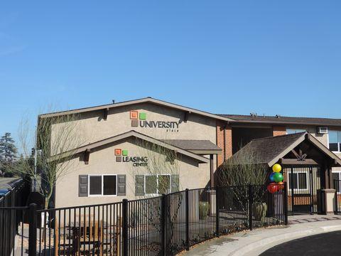 Photo of 5376 N 6th St, Fresno, CA 93710