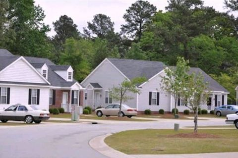 Photo of 1025 Deerchase Dr, Rocky Mount, NC 27804