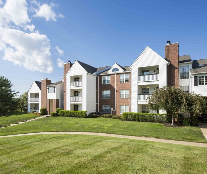 Polo Run Apartments: 100 Polo Run Dr, Yardley, PA 19067