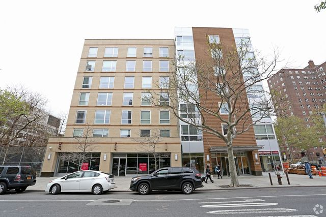 Condo for rent 37 payson ave unit 1 h manhattan ny for 2400 hudson terrace fort lee nj 07024