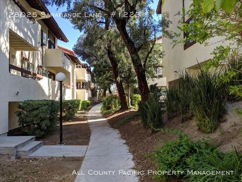 Photo Of 28025 Sarabande Ln Unit 1223 Canyon Country Ca 91387 Condo Townhome For Rent