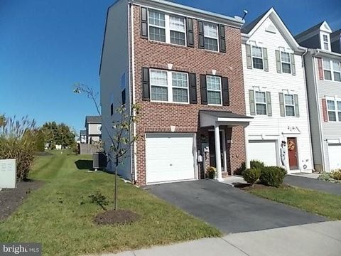 101 Monticello Sq  Winchester  VA 22602. 160 Solara Dr  Winchester  VA 22602   Home for Rent   realtor com