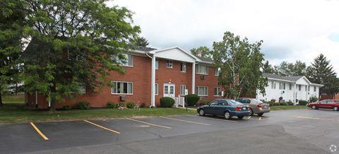 Photo of 131 Greystone Ln, Rochester, NY 14618