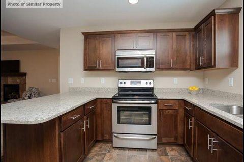 566 Meadow Oak Cir, Fairfax, IA 52228