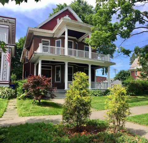 Photo of 430 Manning Blvd, Albany, NY 12206